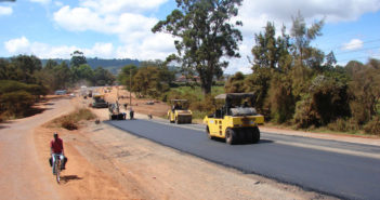 Head of State launches feeder road project-Zambia